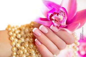 Золотые правила зимнего ухода для ногтей