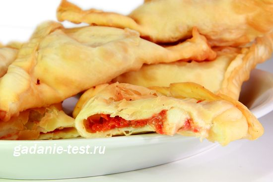 Панцеротти  с помидорами и сыром https://gadanie-test.ru/