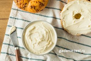Густой и сладкий сырный крем